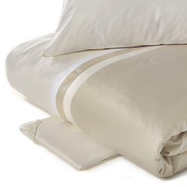 Copripiumino KUBRIC panna matrimoniale Fazzini -tessuto raso di cotone (sacco cm.250x260 + 2 federe + 1 sottolenzuolo180x200x30)